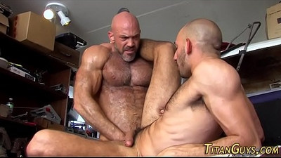 Built hunk blows cum load