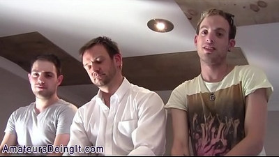 Gay amateurs suck cocks