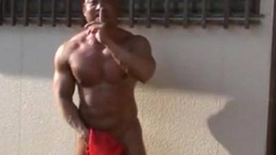 japanese muscle jerk and cum public