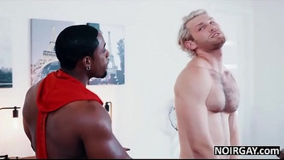 Black gay hunk fucks hot white guy during audition