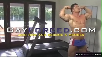 Couple Workout Fucking in gym
